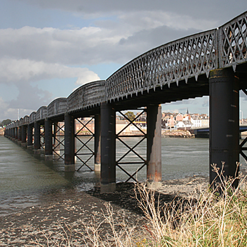 Montrose Viaduct Photo by Richard Webb CC BY-SA 2.0, https://commons.wikimedia.org/w/index.php?curid=9171651